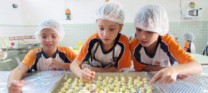 Mini Chef é sucesso no Piedade Total, o turno integral do Colégio Piedade