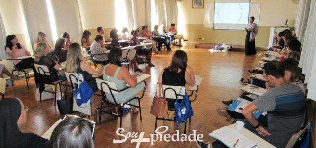 Orientação Profissional e Ensino Religioso são tema de encontro de educadores da Rede Piedade de Educação