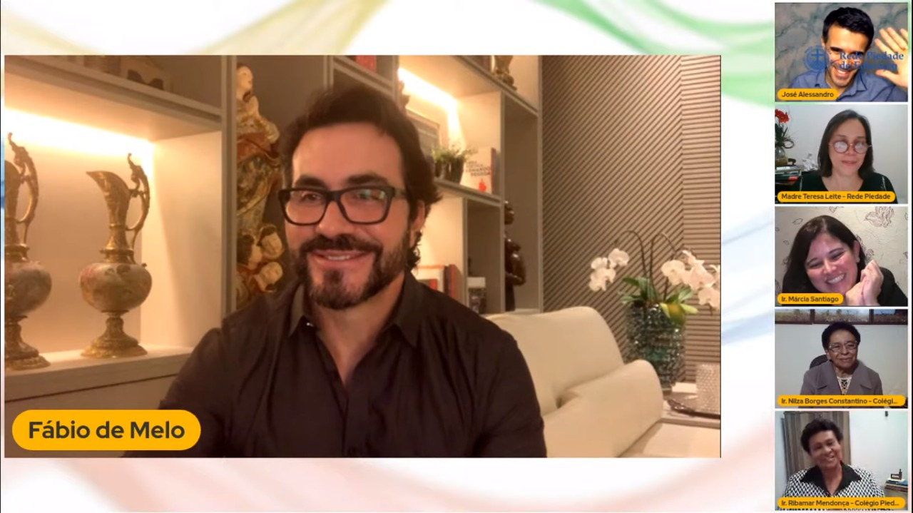 Ex-aluno, Padre Fábio de Melo, enaltece diferenciais dos colégios da Rede Piedade de Educação em live exclusiva
