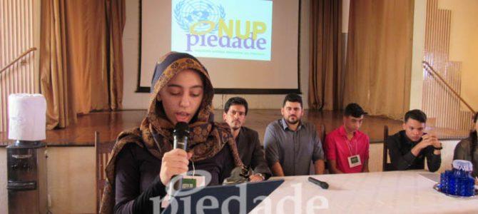 Estudantes simulam reunião da ONU frente a um iminente conflito mundial