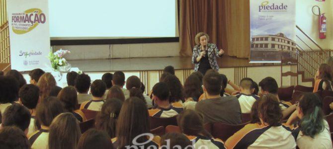 Programa de Formação Integral enriquece troca entre escola e comunidade.