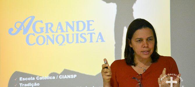 """""""Vigiai sobre vós mesmos!"""". Leia a entrevista com Madre Teresa Cristina Leite"""
